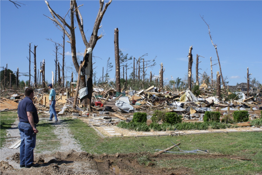 Ef5 Tornado Damage Before And After F5 Tornadoes: The Chro...
